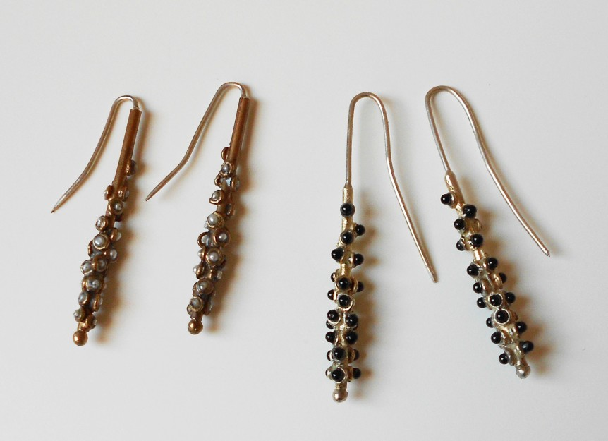 EarringBugs-in-bronze-and-silver-with-micropearls-and-onyx-II